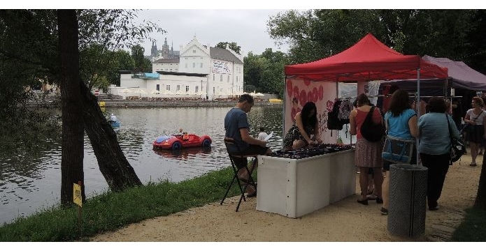 Dyzajn market Festival byl jedno velké rozmarné letní užívání - uvod