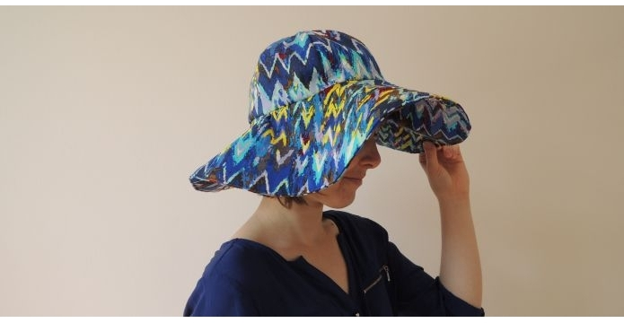 Jarní a letní klobouky letí, zvláště ty doma ušité - uvodni