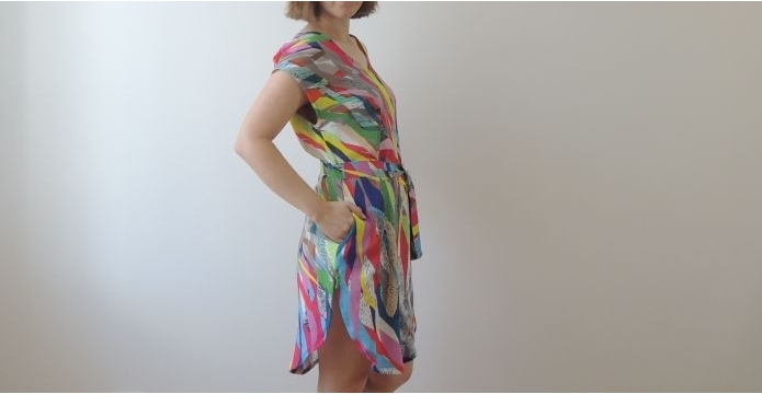 Viskózové šaty do tropického léta - barevne-saty-z-viskozy