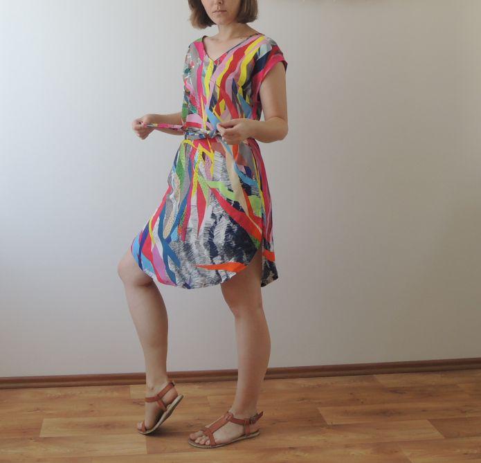 Barevné šaty z viskózy