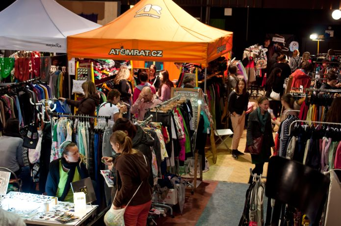 Factory Fashion Market